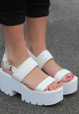 Heeled Cleated Sole Platform Sandal Shoes - White