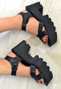 REGAL Chunky Heel Strappy Summer Sandals in BLACK