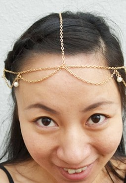 Gold colour chain with imitation pearl headpiece