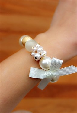 White Pearl & Gold Ball Bracelet