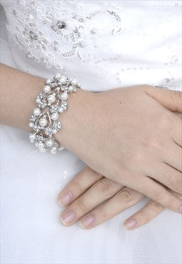 Vintage style bridal pearl crystal stretch bracelet bangle