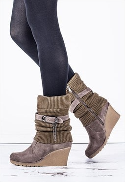 SPECTACULAR Heeled Knit Chain Buckle Calf Boots - Khaki