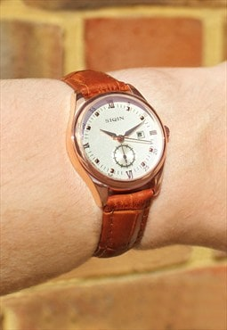 Compact Numeral Watch with Date