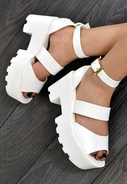 HOKU Chunky Heel Triple Strap Summer Sandals in WHITE