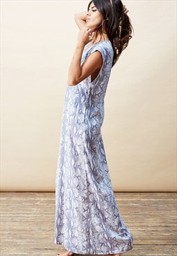 Quintino Maxi Dress in Grey Snake
