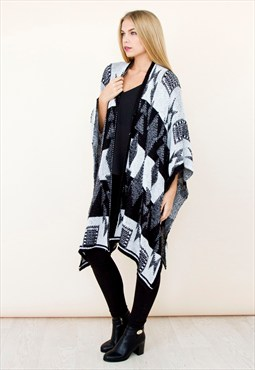 Black White Monochrome Knitted Cape