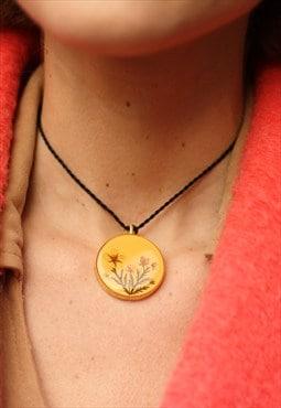 1960's Floral Medallion Choker