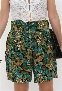 Vintage 80s Green Floral Tropical Print Shorts