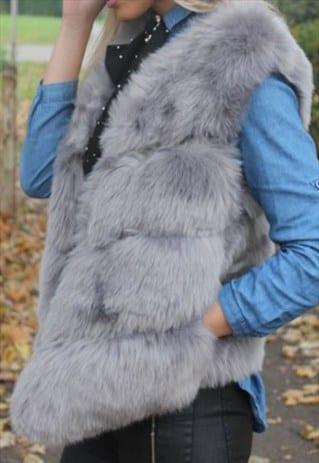FAUX FUR LAYERED GILET IN LIGHT GREY