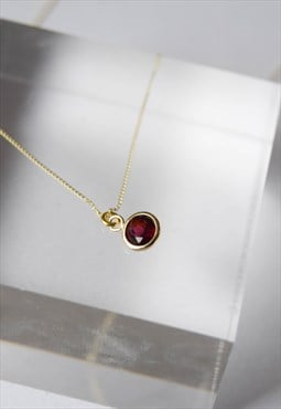 9ct gold garnet necklace, 9ct gold pendant