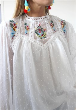 Top embroidery front