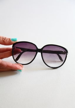 Vintage Black Frame,  Gradient Grey lenses