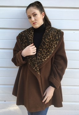 Womens vintage Fendi coat long in brown leopard print collar