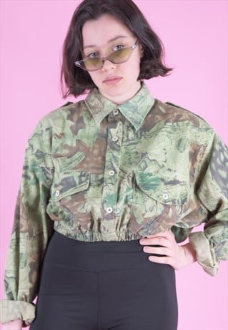 VINTAGE REWORKED CROP ARMY SHIRT IN GREEN CAMO