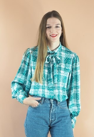 VINTAGE GREEN AND WHITE PUSSY BOW BLOUSE