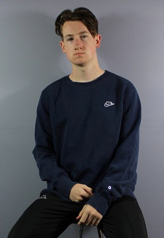 VINTAGE NIKE SWEATSHIRT IN NAVY WITH EMBROIDERED SPELLOUT LO
