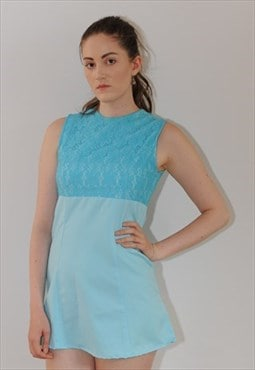 Womens Vintage 60s dress light blue sleeveless floral lace