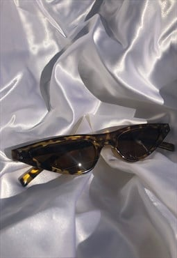 Mini Tortoiseshell Vintage Narrow Y2K Cateye Sunglasses