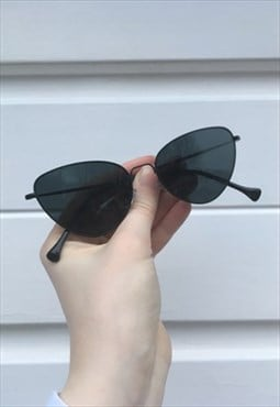 Womens Vintage 80s style black cat eye sunglasses glasses