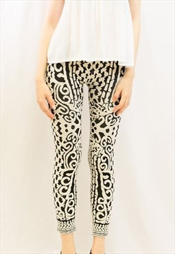 black white baroque pattern soft knitted leggings
