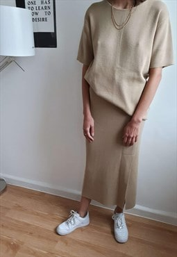 Beige knit set skirt and T-shirt