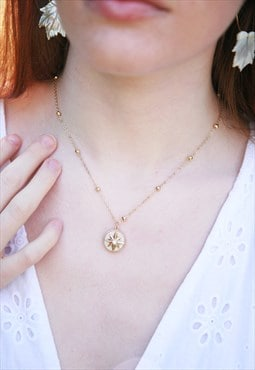 Pearlised star pendant necklace