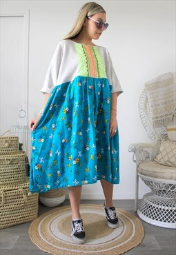 Dress vintage with ethnic embroidery