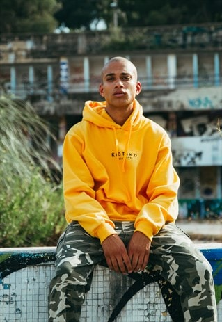 BASIC YELLOW KAOTIKO HOODED SWEATSHIRT
