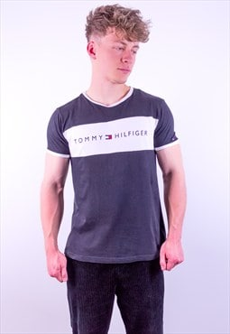Vintage Tommy Hilfiger Spell Out T-shirt in Black & White