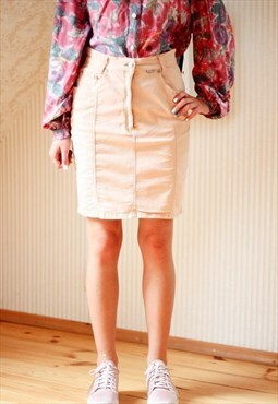 Light peach short denim skirt