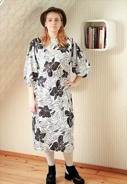 White black flowers shoulder pad dress
