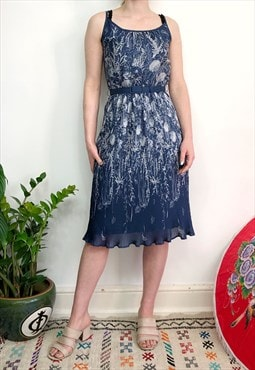 Vintage 70s navy & white floral pleated dress