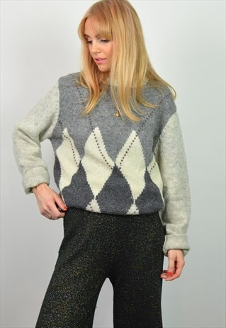 VINTAGE 90S GREY DIAMOND PATTERN KNITTED JUMPER