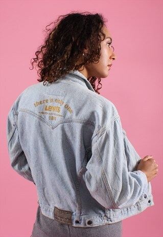 VINTAGE LEVI'S LIGHT BLUE EMBROIDERED DENIM JACKET