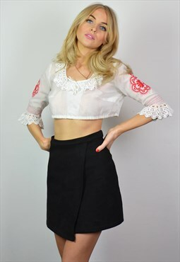 Vintage 70s White & Red Embroidered Boho Crop Top