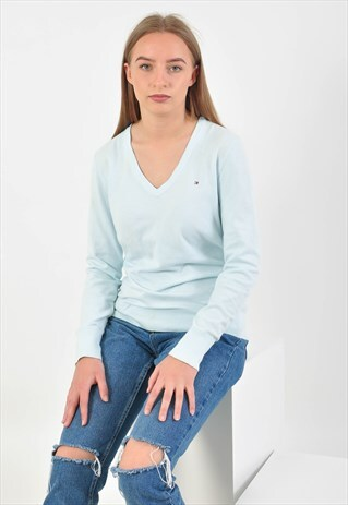 VINTAGE 90S LIGHT BLUE V NECK JUMPER