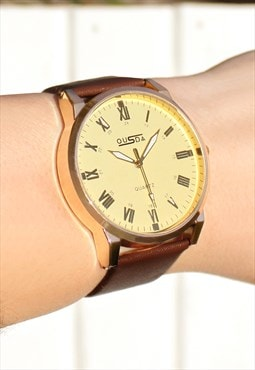 Gold Numeral Watch with Sparkling Face