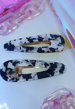 TWIN PACK HAIR CLIPS IN B&W ACRYLIC