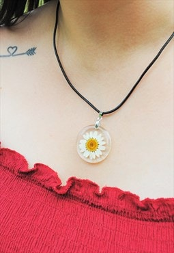 MoonChild Daisy cord necklace