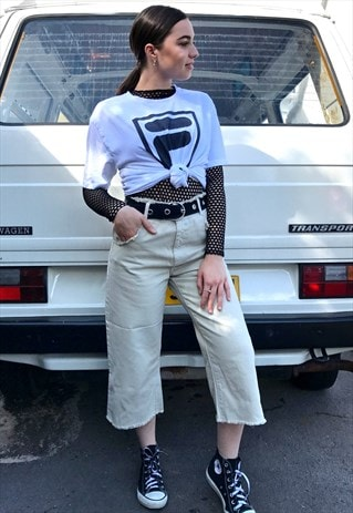 90'S RETRO WHITE AND BLACK LOGO T-SHIRT