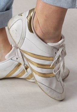 Adidas trainers Gold Stripe UK 7 (FM3I)