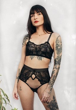 Let It Be Intimate Rose Lace Bra Black