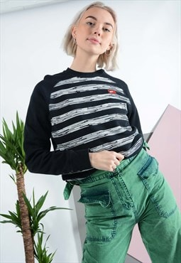 Vintage NIKE sweatshirt in black stripes.