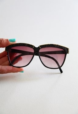 Vintage Black Frame,  Medium Red lenses