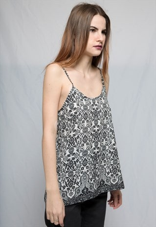PSYCHEDELIC PRINTED SLEEVELESS TOP