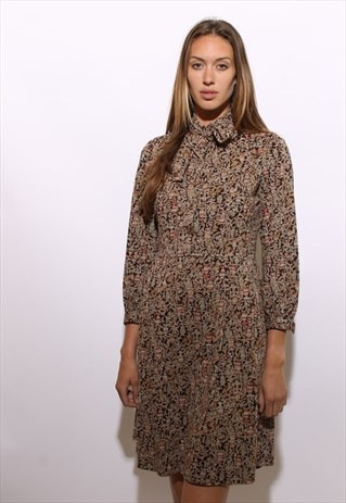 VINTAGE 1970'S 70'S PLEATED PRINTED SHIRT DRESS S-M