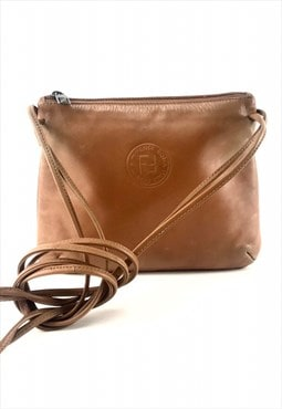 Vintage 80's fendi camel brown leather logo shoulder bag