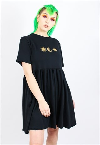 JERSEY DRESS IN BLACK WITH CELESTIAL MOTIF