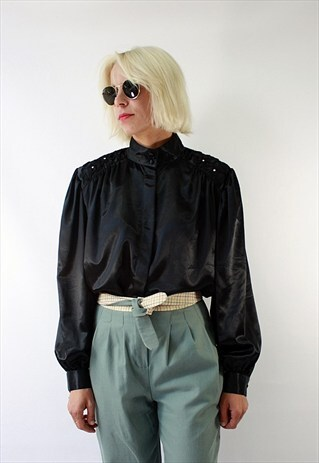 VINTAGE 90'S PRETTYSHINY BLACK BLOUSE WITH BEAUTIFUL COLLAR