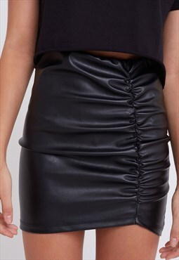 Shirred faux leather skirt - black